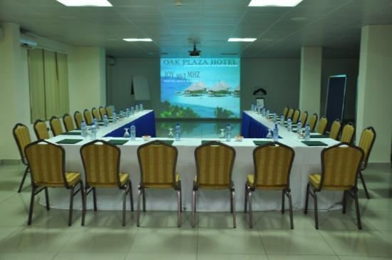 Oak Plaza East Airport Hotel: Conference & Banquets