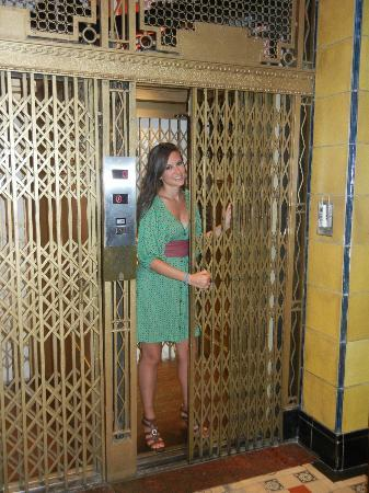 Moreno Hotel Buenos Aires: Nice old elevator