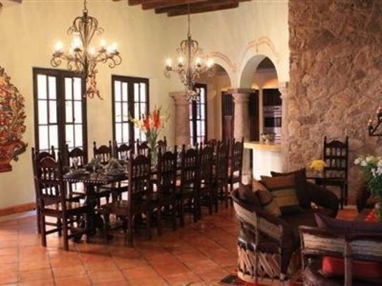 Antigua Capilla Bed and Breakfast: Interior