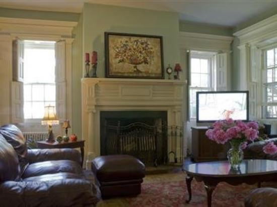 Long Valley, NJ: Common Area