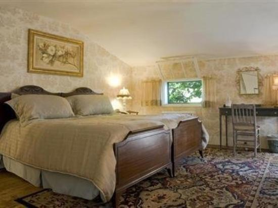 Long Valley, NJ: Bedroom