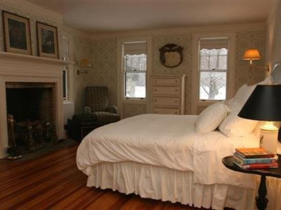 Colebrook, CT : Guest Room -OpenTravel Alliance - Guest Room-