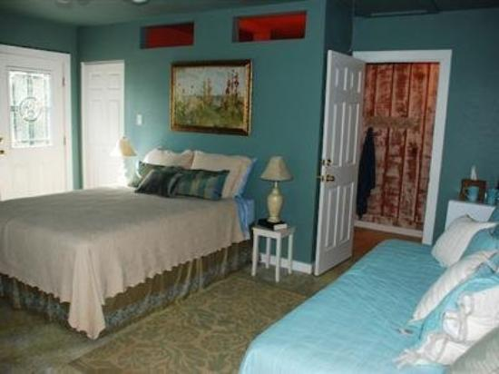 Namaste Retreat Guesthouse B&amp;B: Guest Room -OpenTravel Alliance - Guest Room-