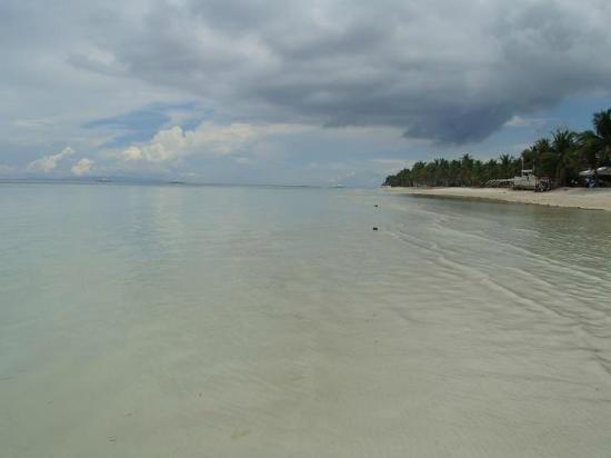 Dumaluan Beach Resort 2: Shoreline