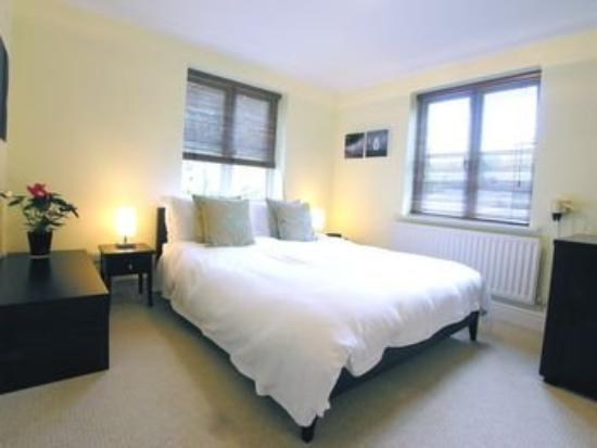 Clarendon Serviced Apartments - Manning Place: Richmond Bedroom
