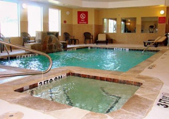 Comfort Suites Fort Worth: Pool (OpenTravel Alliance - Pool view)