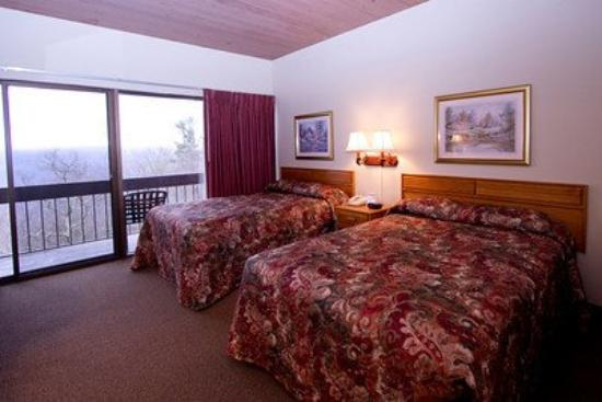 Pipestem Resort State Park Lodge: Room