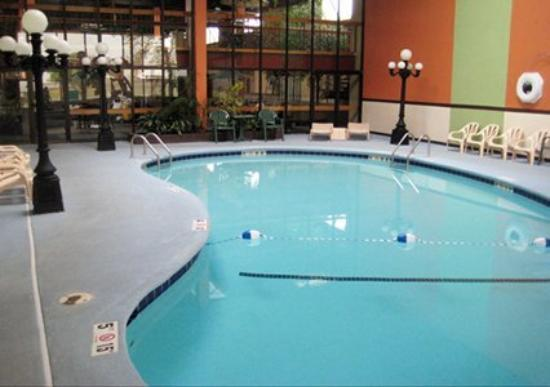 Clarion Inn Elk City: Pool (OpenTravel Alliance - Pool view)