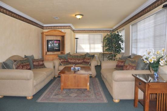 Travelers Inn - Manteca: Lobby
