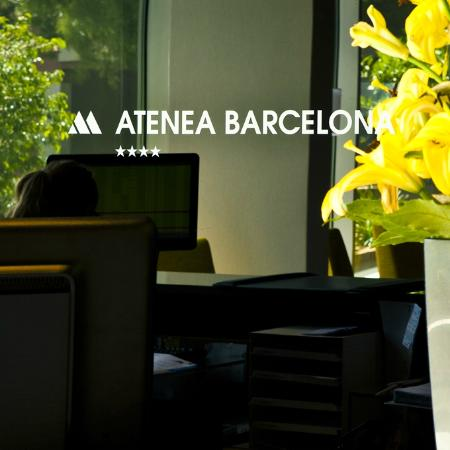Aparthotel Atenea: FRONT DESK