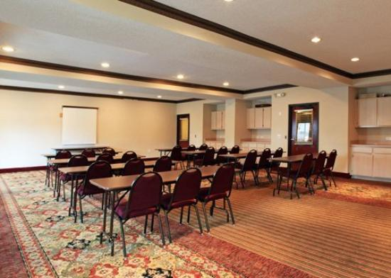 Quality Inn & Suites West Chase: Meeting Room