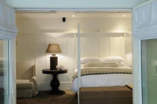 Farmhouse Inn & Restaurant: King Barn Room