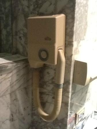 Conference Florentia Hotel: old hair dryer