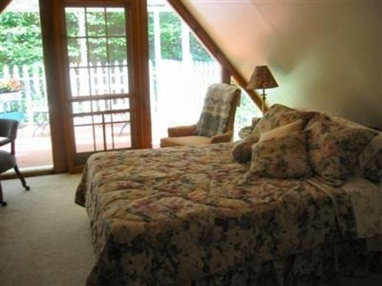 Rock Laurel Bed and Breakfast: Other Hotel Services/Amenities