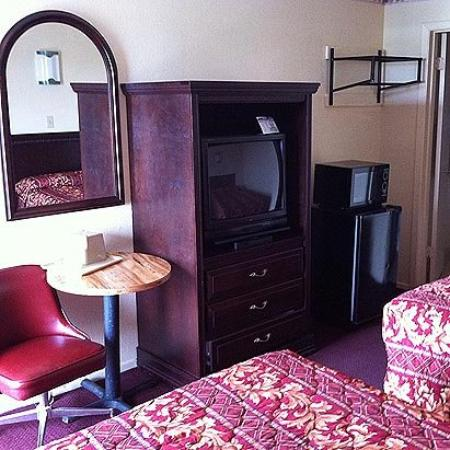Deluxe Inn Carrollton: Guest Room (OpenTravel Alliance - Guest room)
