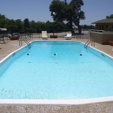 Glen Rose Inn & Suites: Pool
