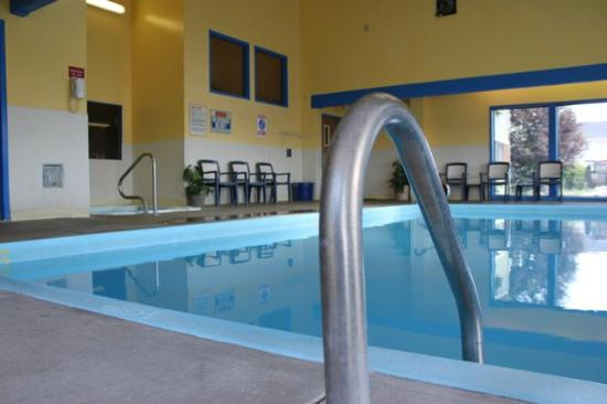 FairBridge Inn Express: Indoorpool