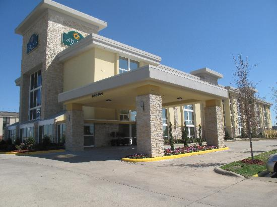 La Quinta Inn & Suites Dallas I-35 Waln