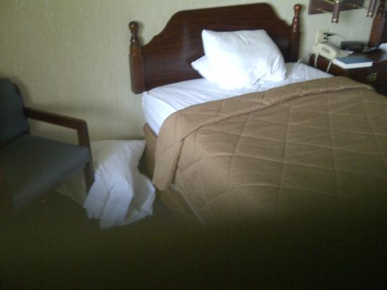 Comfort Inn West: this is housekeeping?