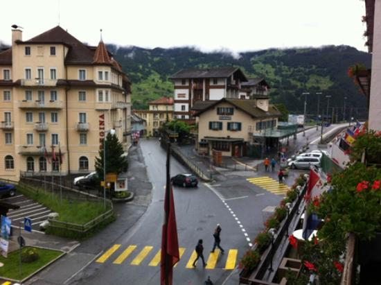 Grindelwald, Szwajcaria: View from room towards train station