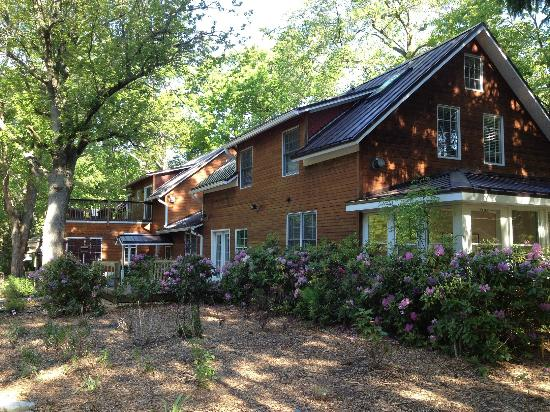 Goldberry Woods Bed & Breakfast Cottages