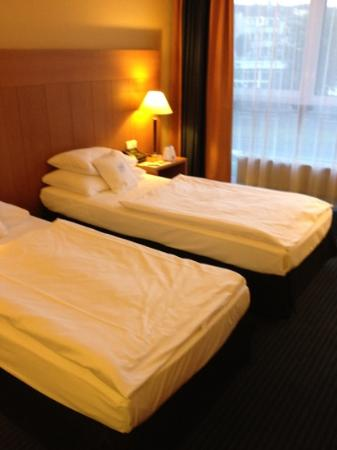 separate beds picture of best western premier hotel park consul are separate beds the key to marital bliss 337x450