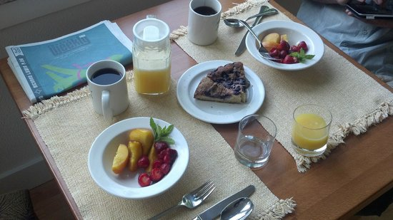 McKenzie Orchards Bed and Breakfast Inn: delicious