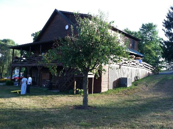 Fields of Home Lodge and Cabins: The main house
