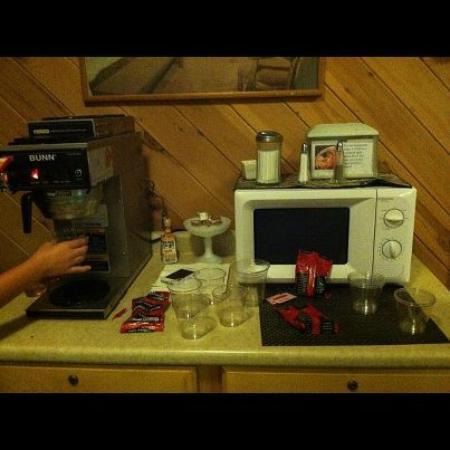 ‪‪Catskill Mountain Lodge‬: Where is the coffee? No pot?