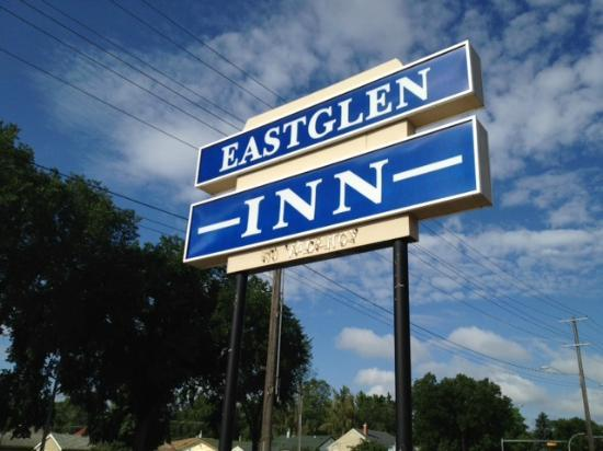 ‪‪Eastglen Inn‬: Motel Sign‬