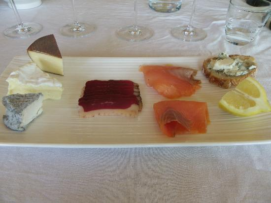 Saussignac, ฝรั่งเศส: delicious lunch paired with wines