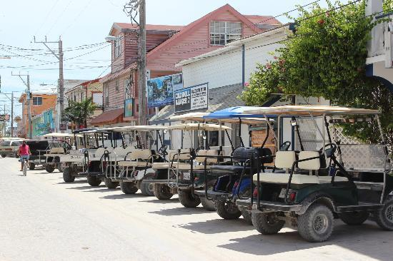 SunBreeze Hotel: One of the streets of San Pedro, just around the corner from the hotel