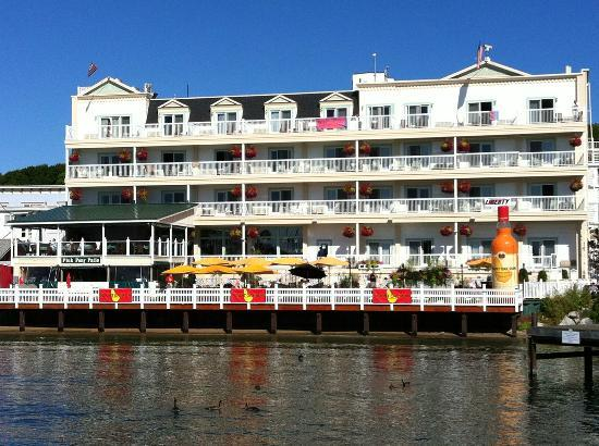 Chippewa Hotel Waterfront: Chicago to Mackinac Yacht Race 2012