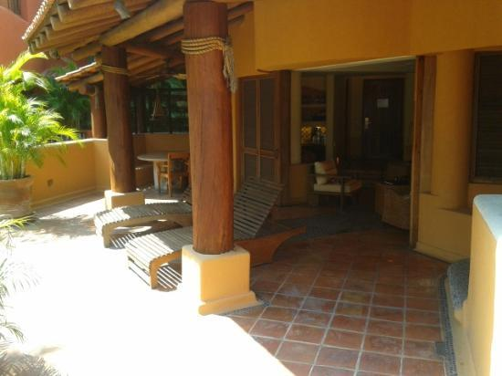 Club Intrawest - Zihuatanejo: Patio