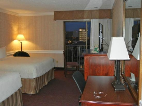 Salt Lake Plaza Hotel: Good sized room for a downtown