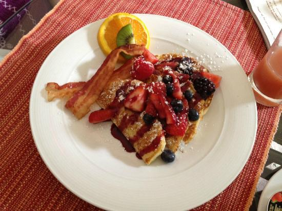 Francis Malbone House: French toast