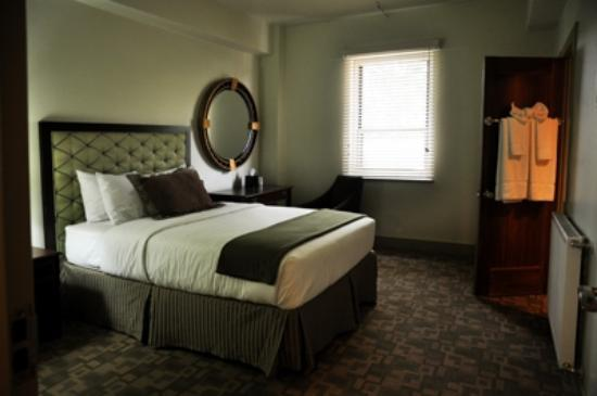 ‪‪Silver City‬, نيو مكسيكو: Art Deco style in our Standard Queen room‬