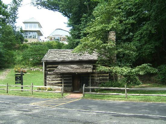 The old log cabin in mill creek park picture of mill creek park canfield tripadvisor for Parks garden center canfield ohio