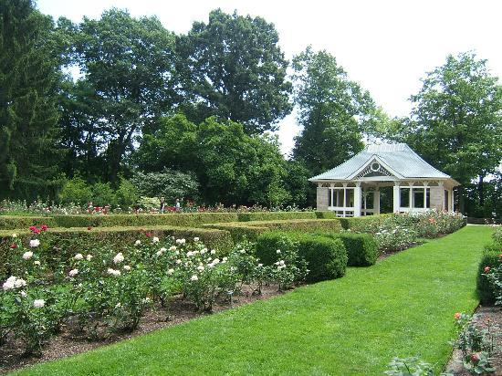 Fellows riverside gardens in mill creek park picture of canfield youngstown tripadvisor for Parks garden center canfield ohio