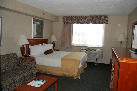 BEST WESTERN East Towne Suites: Standard Room/King bed