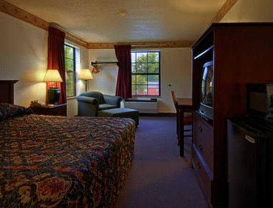 Super 8 Motel Lee / Berkshires / Outlet Area: Standard King Bed Room