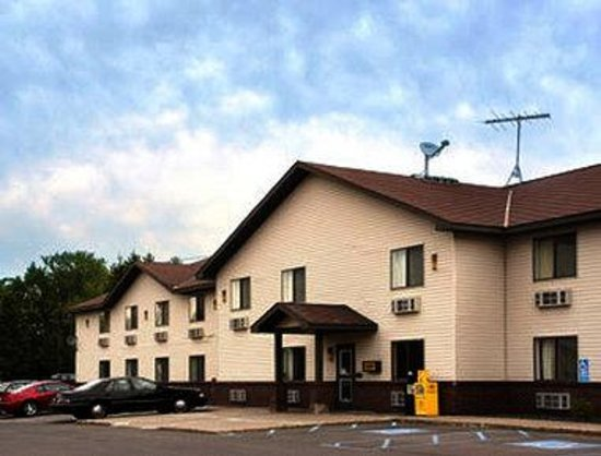 Super 8 Motel Hibbing: Welcome to Super 8 Hibbing