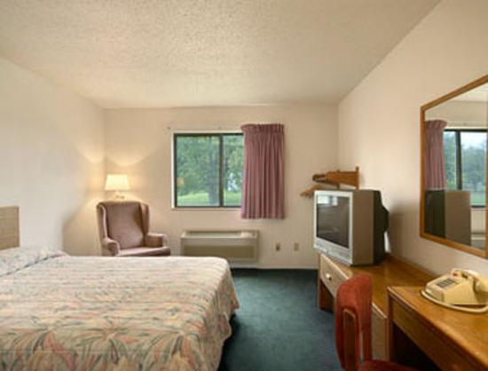 Super 8 Motel Hibbing: Standard King Bed Room