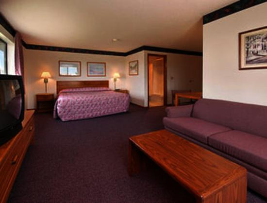 Chariton, IA: Executive King Suite