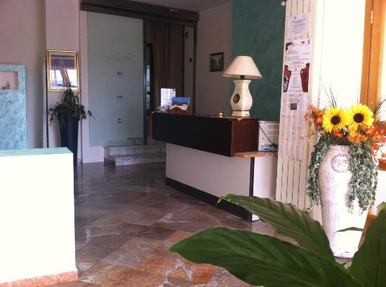 Hotel Pineta Castello: Hall - Reception