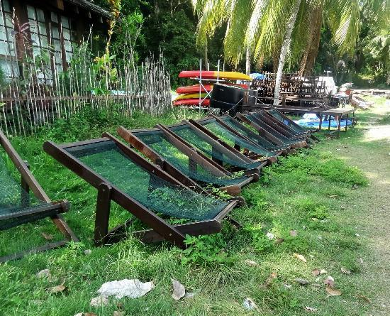 Celestial Resort Pulau Ubin : the deckchairs