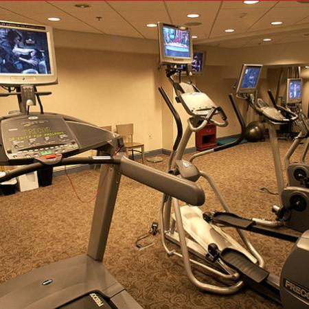 Ambassador Inn @ Marquette: Ambassador Inn Fitness Center