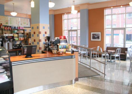 Ambassador Inn @ Marquette: Caffe