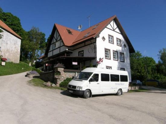 Kandava bed and breakfasts