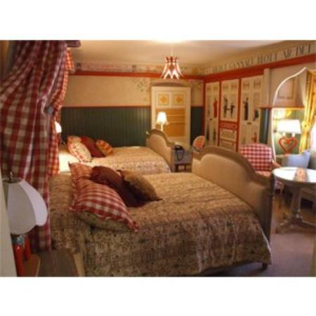 Perry, IA: Pattee Swedish Room